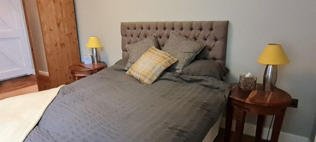 Comfortable en suite rooms The Dog Inn old Sodbury